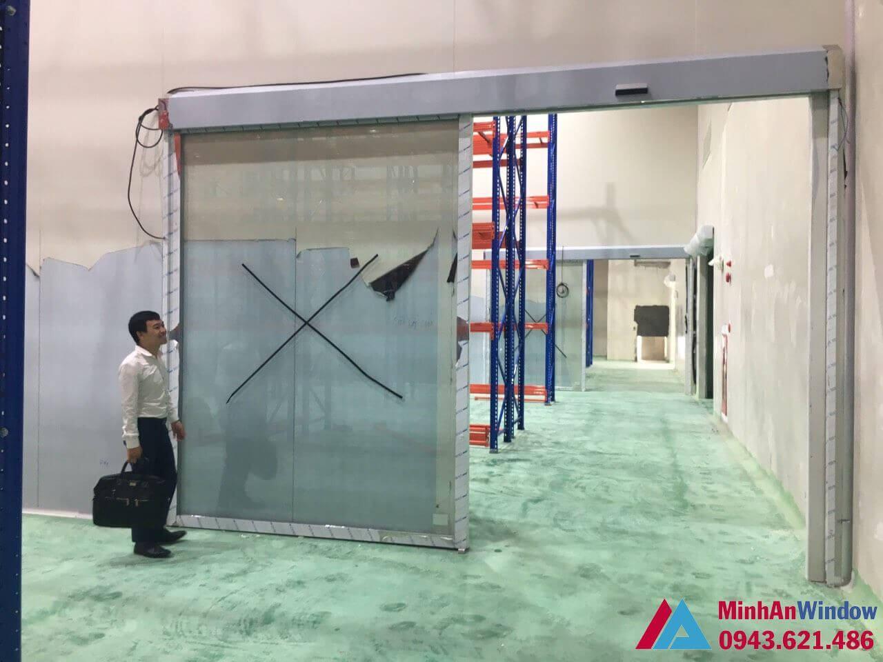 cửa tự động 1 cánh trọng tải lớn - giải pháp cho nhà máy công nghiệp