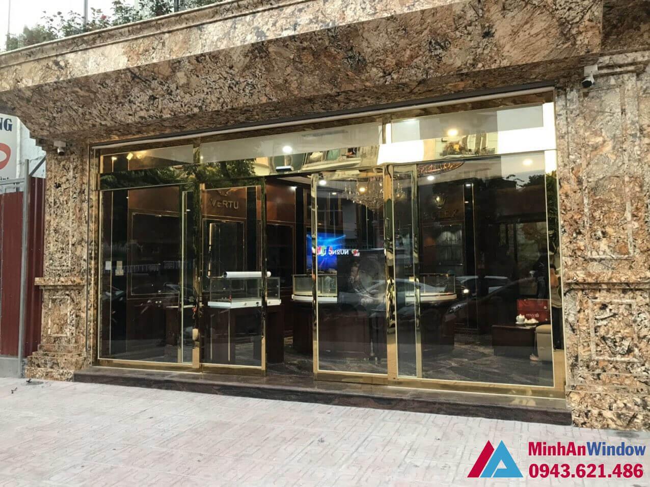 Cửa hàng Tùng Vàng 86 Trần Phú - cửa kính khung inox mạ vàng sang trọng bậc nhất