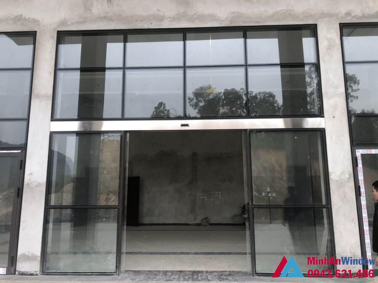 cửa tự động khung nhôm mặt dựng