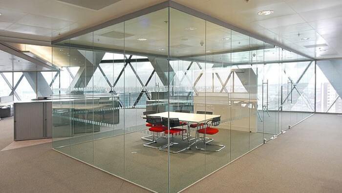 vách và cửa kính văn phòng - Tây Hồ