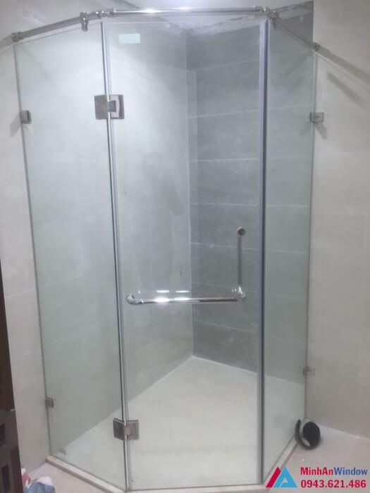 Cửa mở 135 độ Cabin phòng tắm