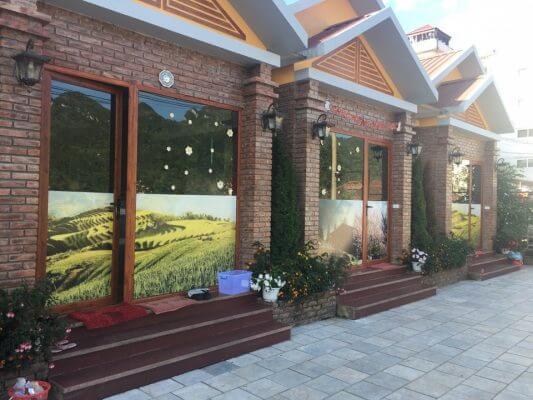 Nhà hàng Lã Vọng: sử dụng cửa nhôm kính PMA mở quay + Ô Fix