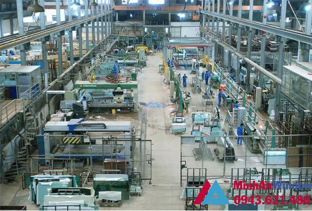 Nhà máy sản xuất kính vách kính cường lực cho nhà máy