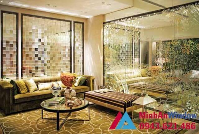 Vách kính khung nhôm trang trí phòng khách