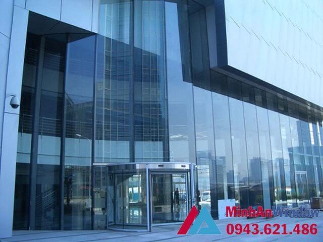 Vách kính khung nhôm trung tâm thương mại 1