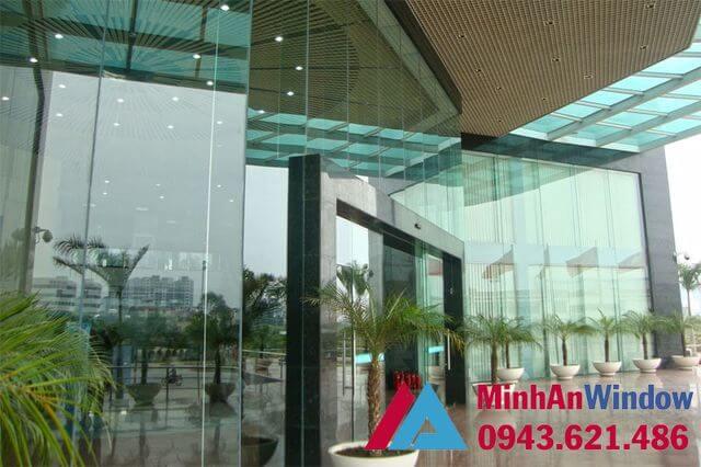 Vách kính khung nhôm trung tâm thương mại