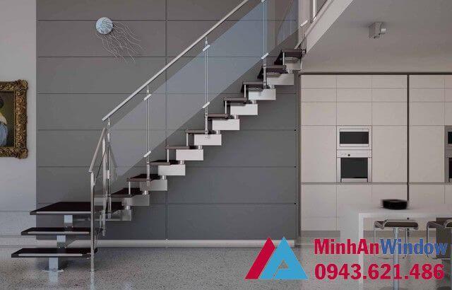 Cầu thang kính khung inox cao cấp chất lượng