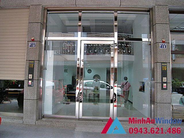 cửa kính khung inox