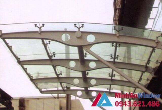 Mái kính dán dùng chân spider phối hợp với khung sắt