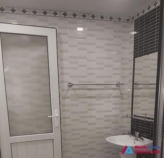 Cửa nhôm phòng tắm 1 cánh kính mờ cao cấp