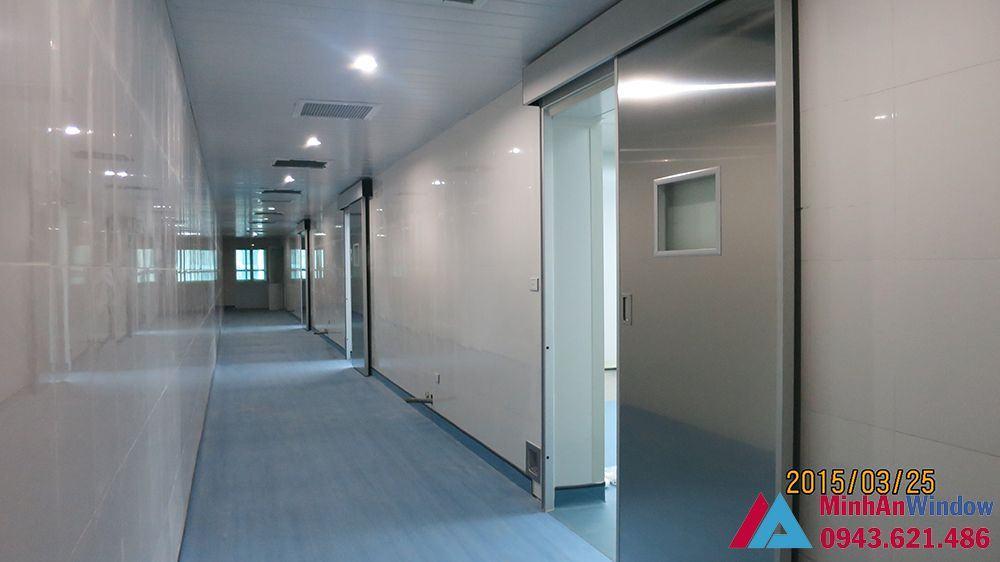 thi công lắp đặt cửa tự động bệnh viện