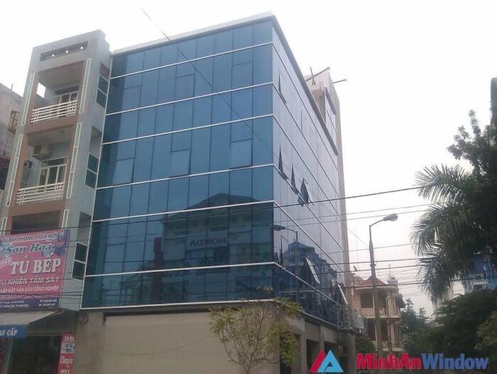 Vach Mat Dung Nhom Hyundai Noi Do 2 1