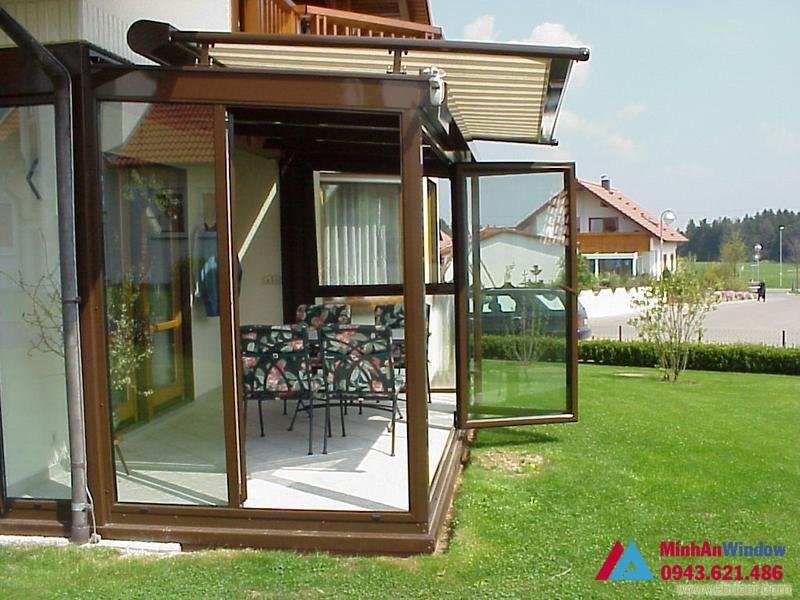 Cửa nhôm kính khung gỗ cho nhà vườn cao cấp
