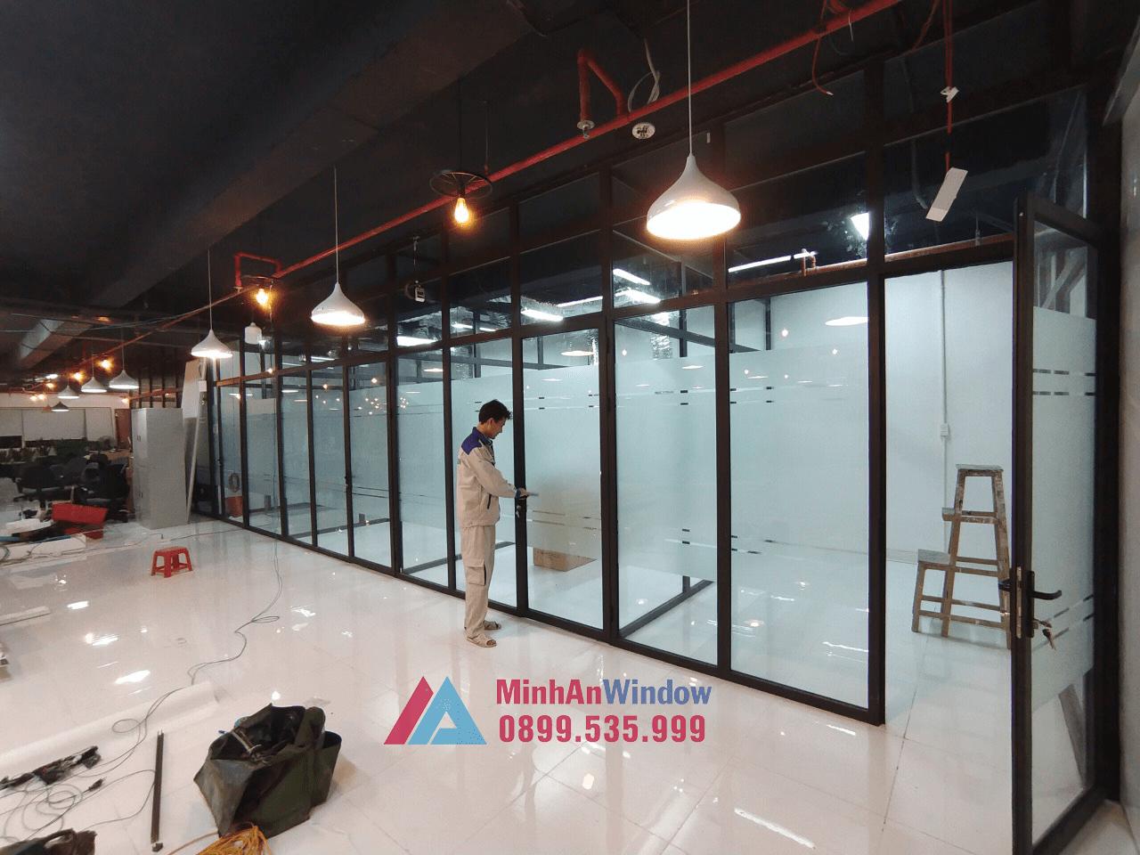 Mẫu cửa vách nhôm kính do Minh An Window lắp đặt tại Quảng Ninh
