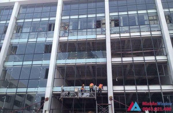 Minh An thi công và lắp đặt cửa kính cường lực tại Quảng Ninh