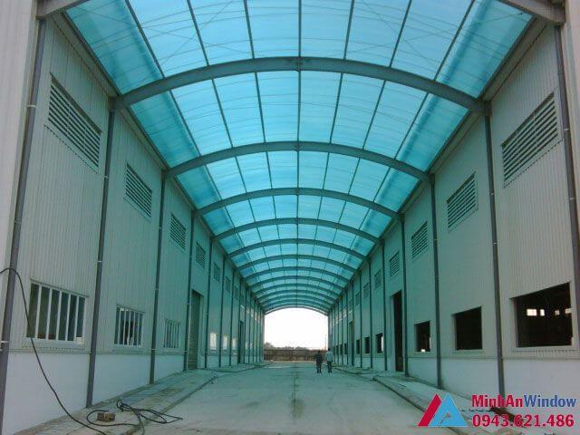 mái nhựa poly uốn vòm cho nhà máy