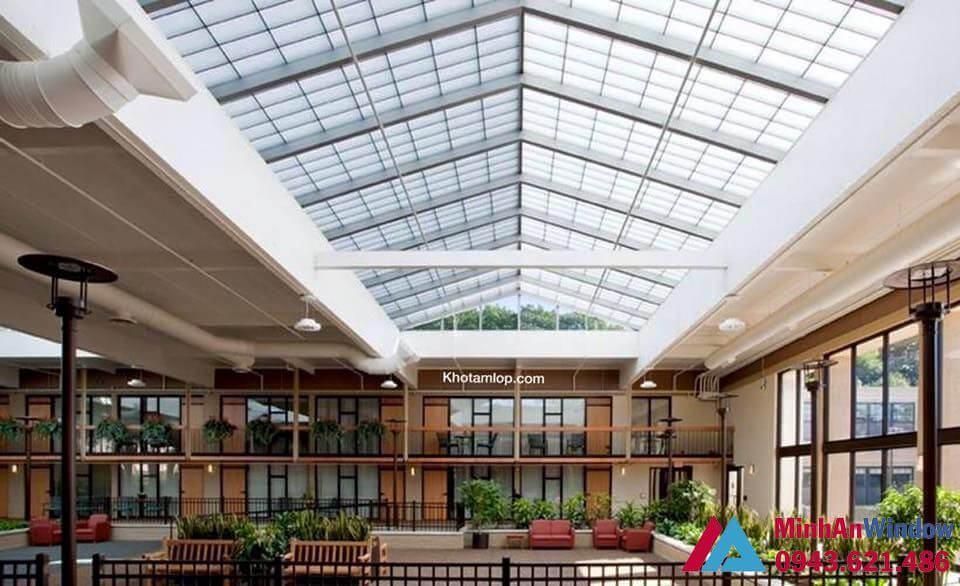 mái nhựa lấy sáng polycabonate khu nhà lớn