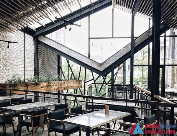 Quan Cafe Khung Thep Kinh 2