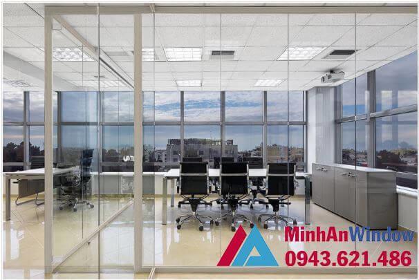 Vách kính khung sắt cao cấp chất lượng cho các văn phòng cao cấp