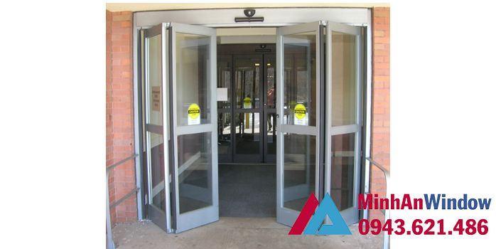 cửa tự động xếp gấp 4 cánh
