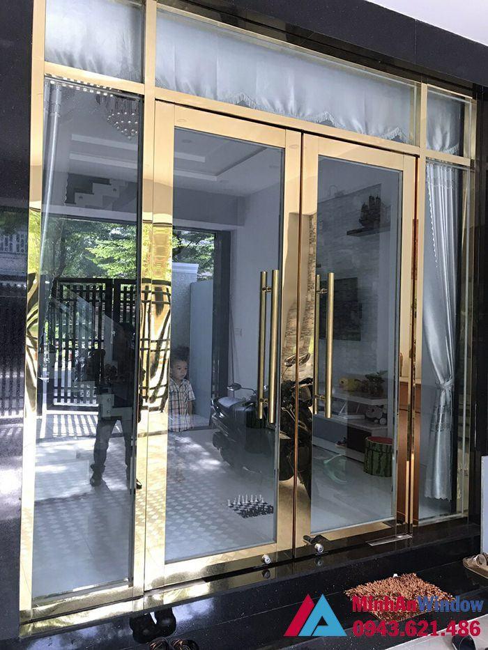 cửa kính inox mạ vàng