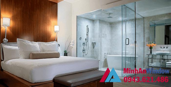 Phòng tắm kính 135 độ cao cấp cho các khách sạn lớn