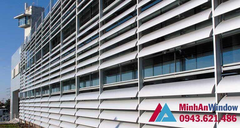 90% các tòa nhà cao tầng để tránh nắng, nóng đều sử dụng lam nhôm để giảm nhiệt