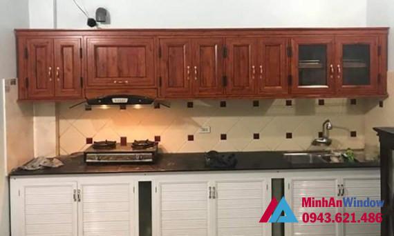Những mẫu thiết kế tủ bếp nhôm kính vân gỗ đẹp