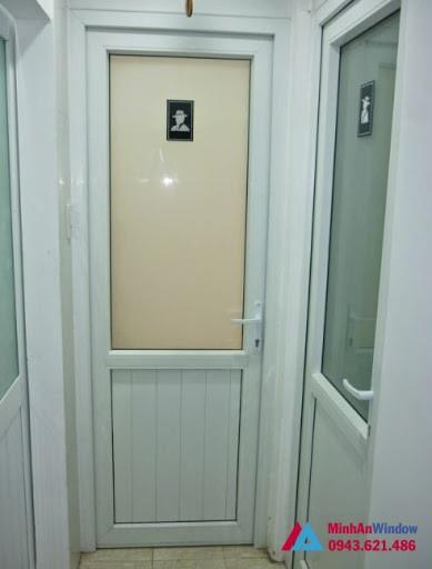 Mẫu cửa kính mờ đẹp cao cấp chất lượng 1 cánh cho phòng tắm
