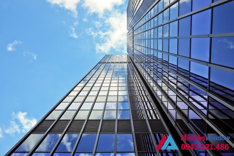 Kính cường lực cho các tòa nhà cao tầng cao cấp