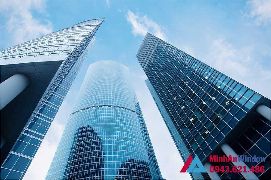 Những tòa nhà sử dụng kính tiết kiệm năng lượng