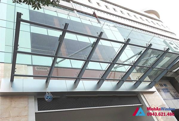 Một mẫu mái kính cực đẹp và chất lượng tòa nhà tại HÀ GIANG