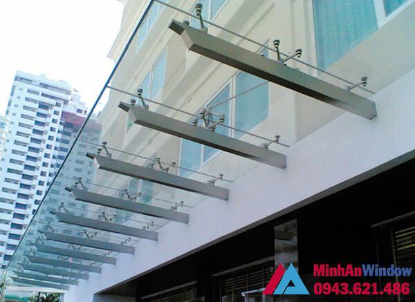 Mẫu mái kính cường lực lắp cho công trình nhà cao tầng