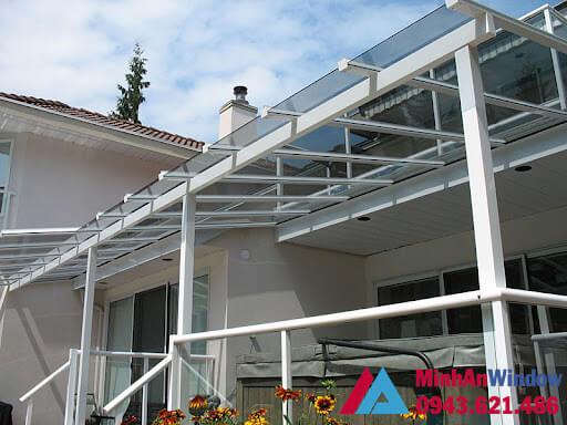 Mẫu mái kính sân thượng MInh An Window lắp cho nhà ở