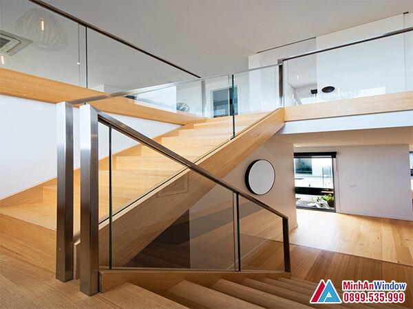Lan can cầu thang kính inox 304 đẹp cho các biệt thự - Minh An Window đã thi công