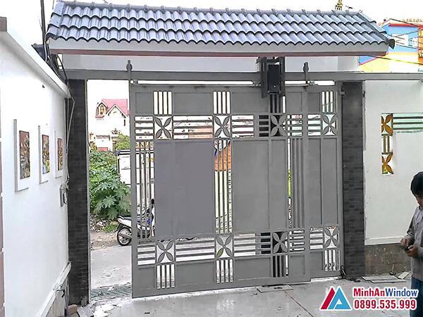 Cửa cổng sắt lùa treo cao cấp