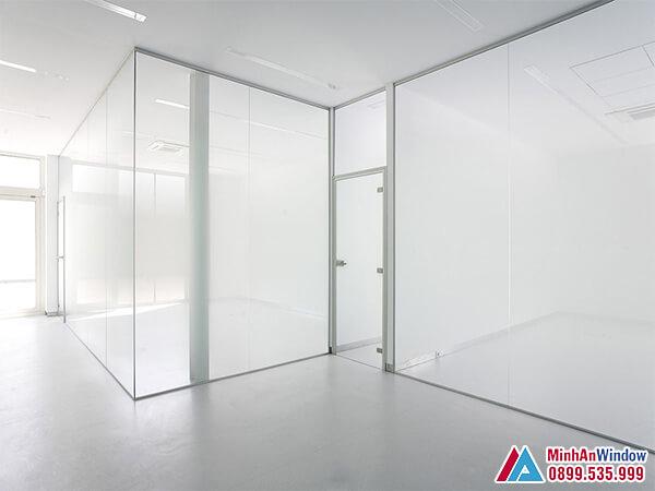 Cửa kính cường lực tại Sơn La 1 cánh cao cấp chất lượng - Minh An Window đã thi công