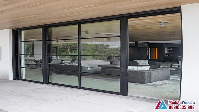 Cửa kính cường lực khung nhôm lùa 3 cánh cho phòng khách - Minh An Window đã thi công