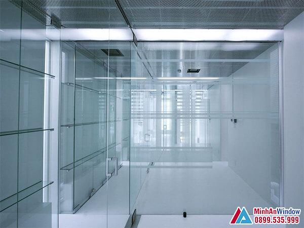 Cửa kính cường lực cho các văn phòng cao cấp - Minh An Window đã thi công
