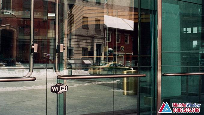 Cửa Kính Khung Inox Cao Cấp Chất Lượng Phổ Biến - Minh An Window Đã Thi Công