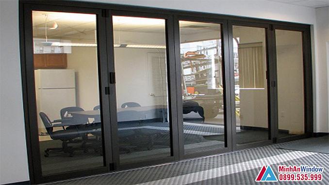 Cửa nhôm Hyundai 5 cánh cho văn phòng - Minh An Window đã thi công