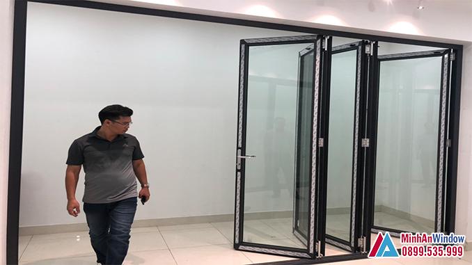 Mẫu cửa đi nhôm kính xếp gấp tại KCN Phụng Hiệp - Thạch Thất - Hà Nội do Minh An Window lắp đặt