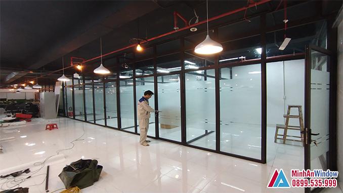 Mẫu cửa vách nhôm kính tại KCN Phụng Hiệp - Thạch Thất - Hà Nội do Minh An Window lắp đặt