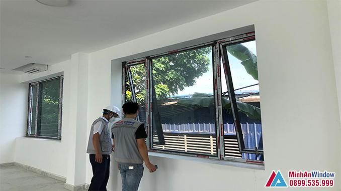 Cửa Sổ Nhôm Kính Mở Hất Cao Cấp Chất Lượng - Minh An Window Đã Thi Công