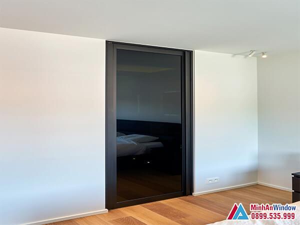 Cửa sắt 1 cánh kính cường lực cho phòng ngủ - Minh An Window đã thi công
