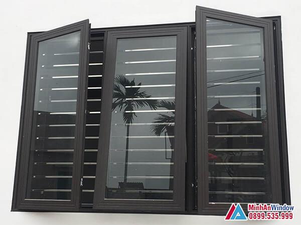 Cửa sổ nhôm kính 3 cánh kết hợp mở quay và mở hất - Minh An Window đã thi công