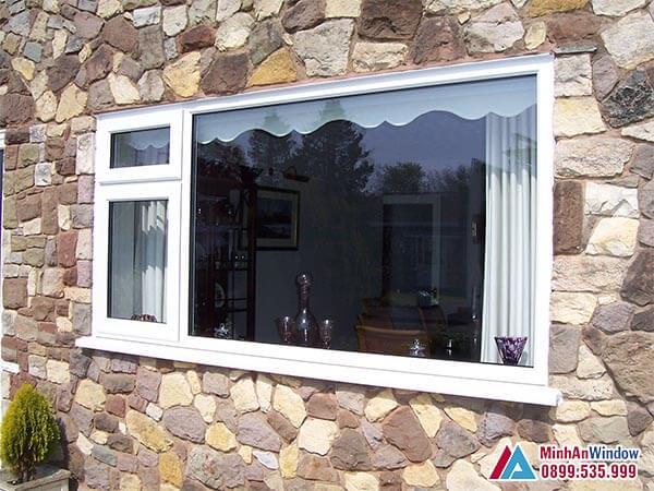 Cửa sổ kính cường lực đẹp lấy sáng cho phòng khách - Minh An Window đã thi công