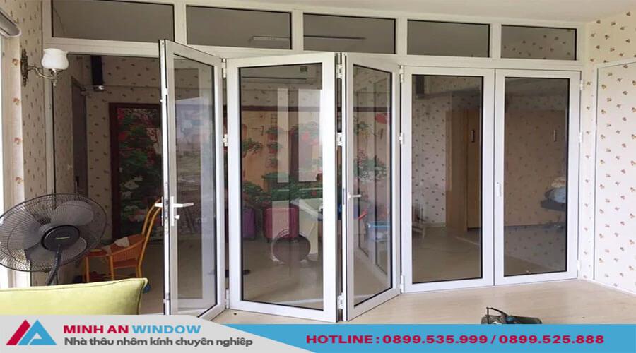 Cửa xếp gấp trượt 7 cánh cao cấp chất lượng - Minh An Window đã thi công