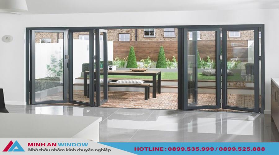 Cửa xếp gáp trượt Xingfa 4 cánh cao cấp chất lượng cho phòng khách - Minh An Window đã thi công