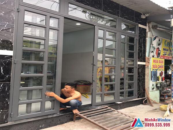 Cửa kính khung sắt sơn tĩnh điện chia ô cho các tòa nhà dân sinh - Minh An Window đã thi công